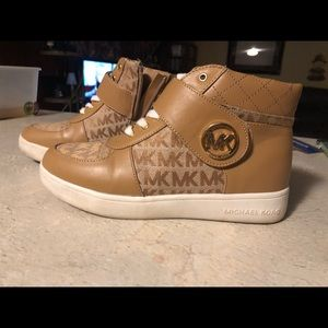 Coach sneakers girl